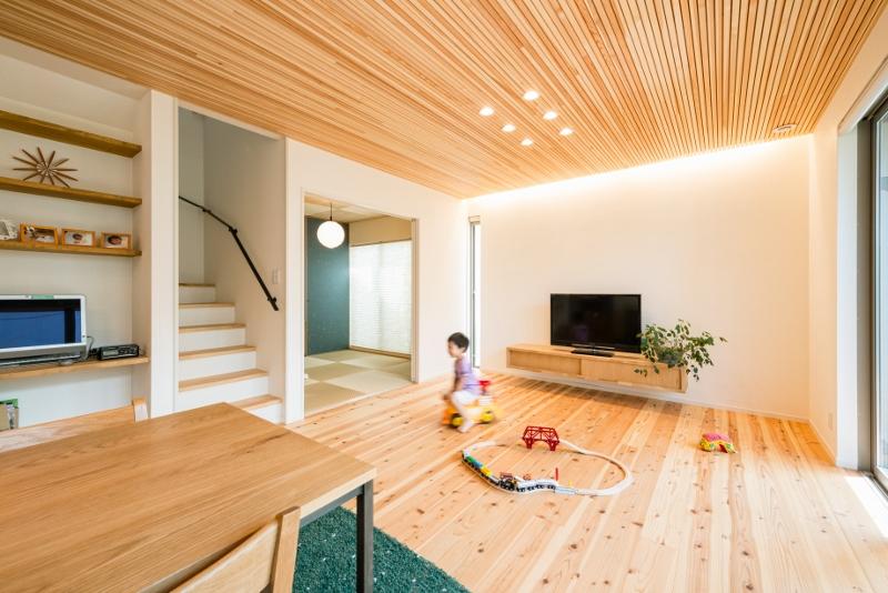 木がいっぱい自然素材の家