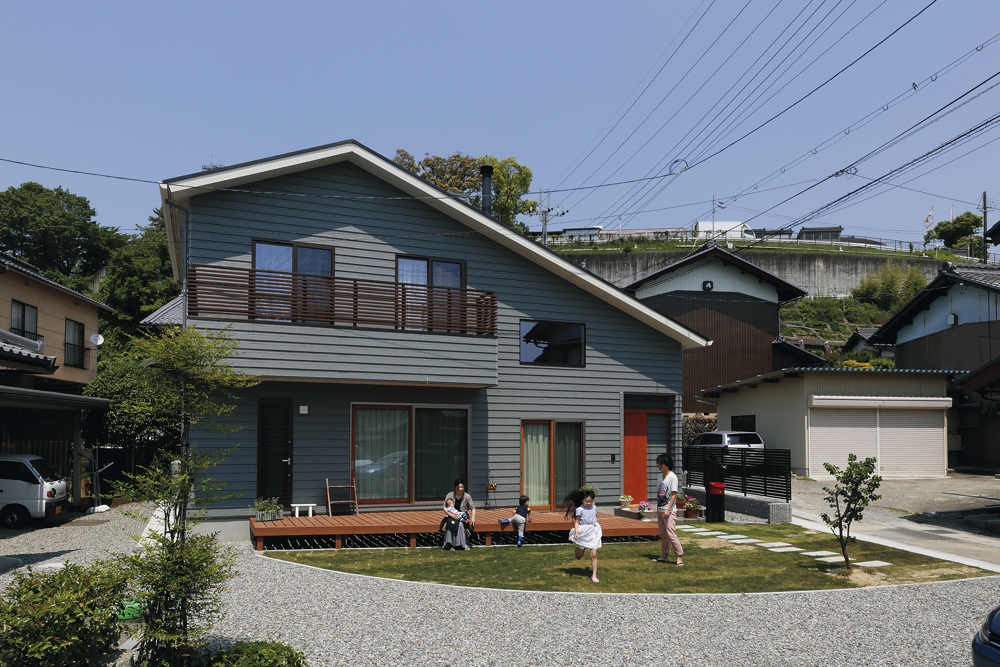 軽やかな風を感じるカリフォルニア風の家